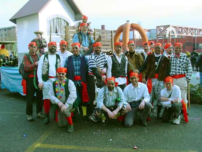 2002-02-28-sf-fasnacht-piraten-holzsteg-011
