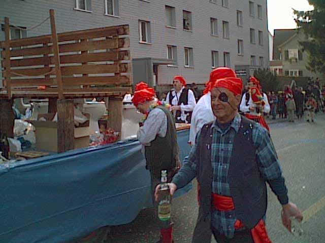 2002-02-28-sf-fasnacht-piraten-holzsteg-012