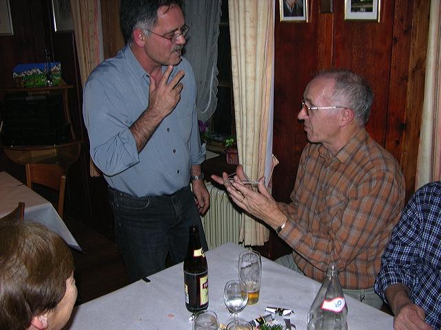 2005-11-25-sf-chlausabend-hof-028
