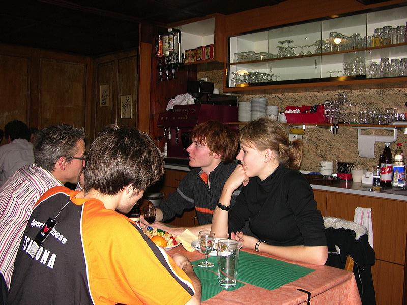 2006-12-01-sf-chlausabend-hof-027