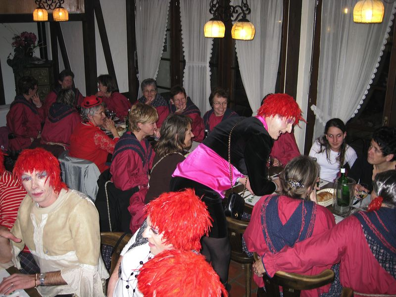 2008-01-31-sf-fasnacht-table-dance-078
