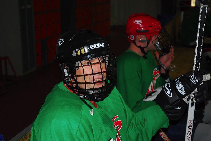 2009-04-07-sf-hockey-wetzikon-080