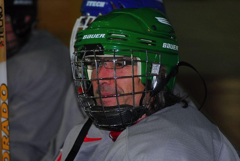 2009-04-07-sf-hockey-wetzikon-092