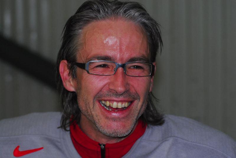 2009-04-07-sf-hockey-wetzikon-100