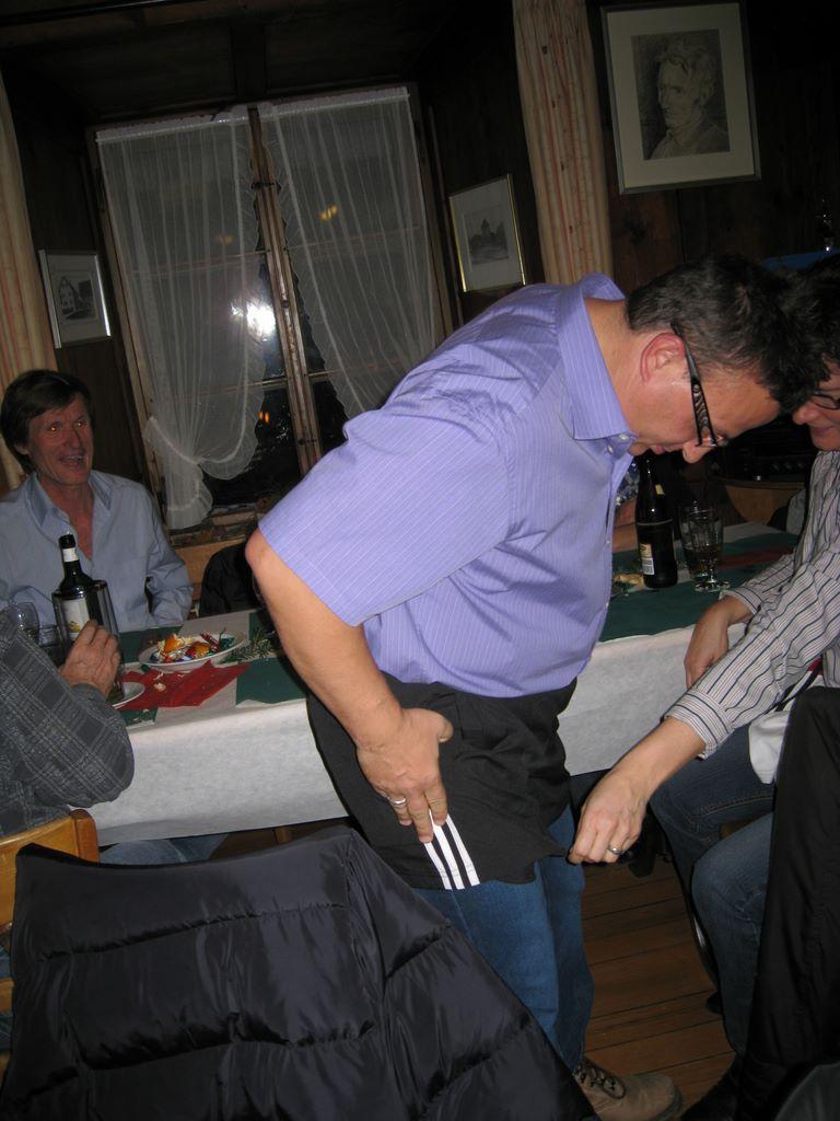 2010-11-26-sf-chlausabend-hof-bollingen-042
