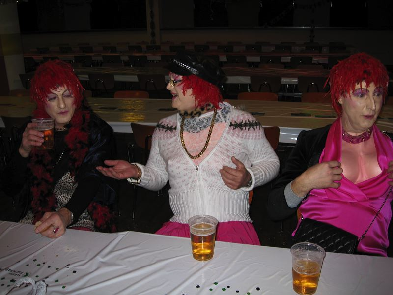 2008-01-31-sf-fasnacht-table-dance-075