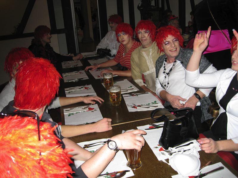 2008-01-31-sf-fasnacht-table-dance-077