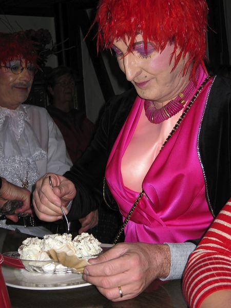 2008-01-31-sf-fasnacht-table-dance-091