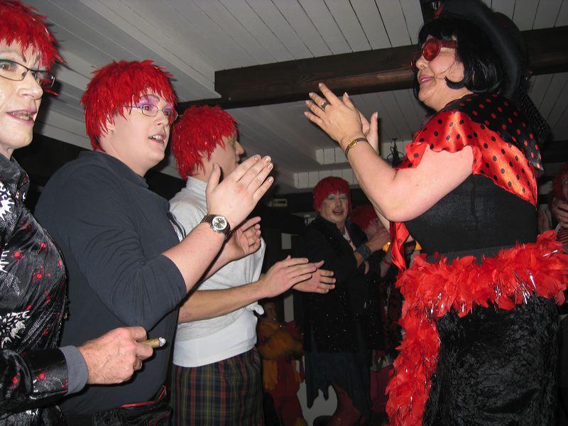 2008-01-31-sf-fasnacht-table-dance-092